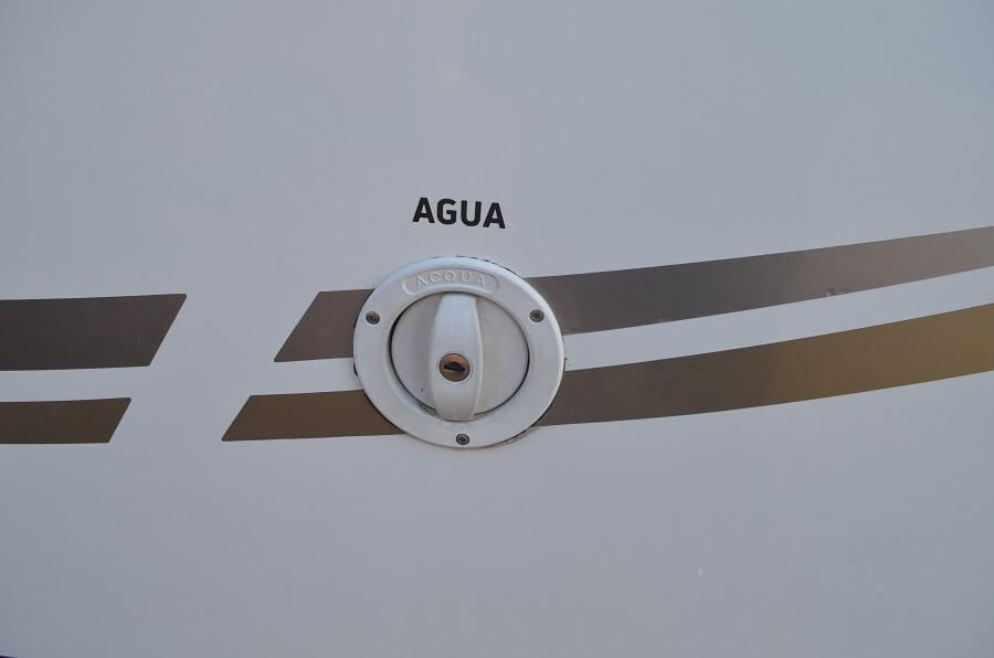 le réservoir d'eau propre autocaravane