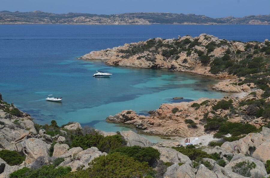 Como chegar na Cala Napoletana, na região da Sardenha